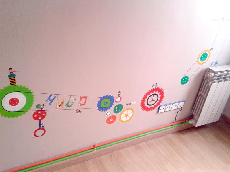 murales_infantiles_pintados_a_mano_la-que-pinta_barcelona_mural_infantil_niño_obreros_y_mecanismos (2)