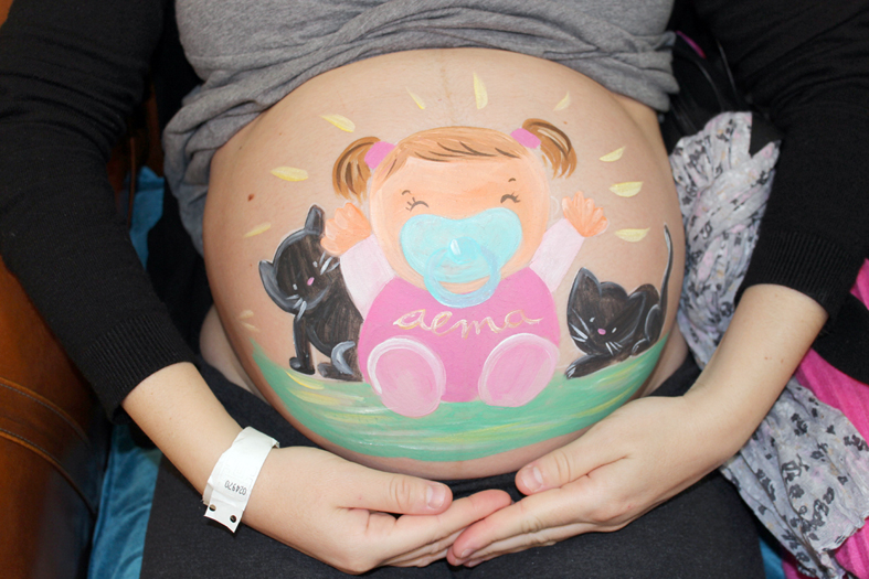 Belly painting niña con gatitos