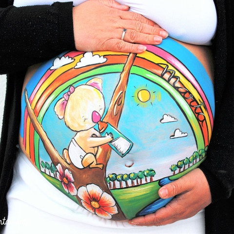 Belly painting de bebé koala