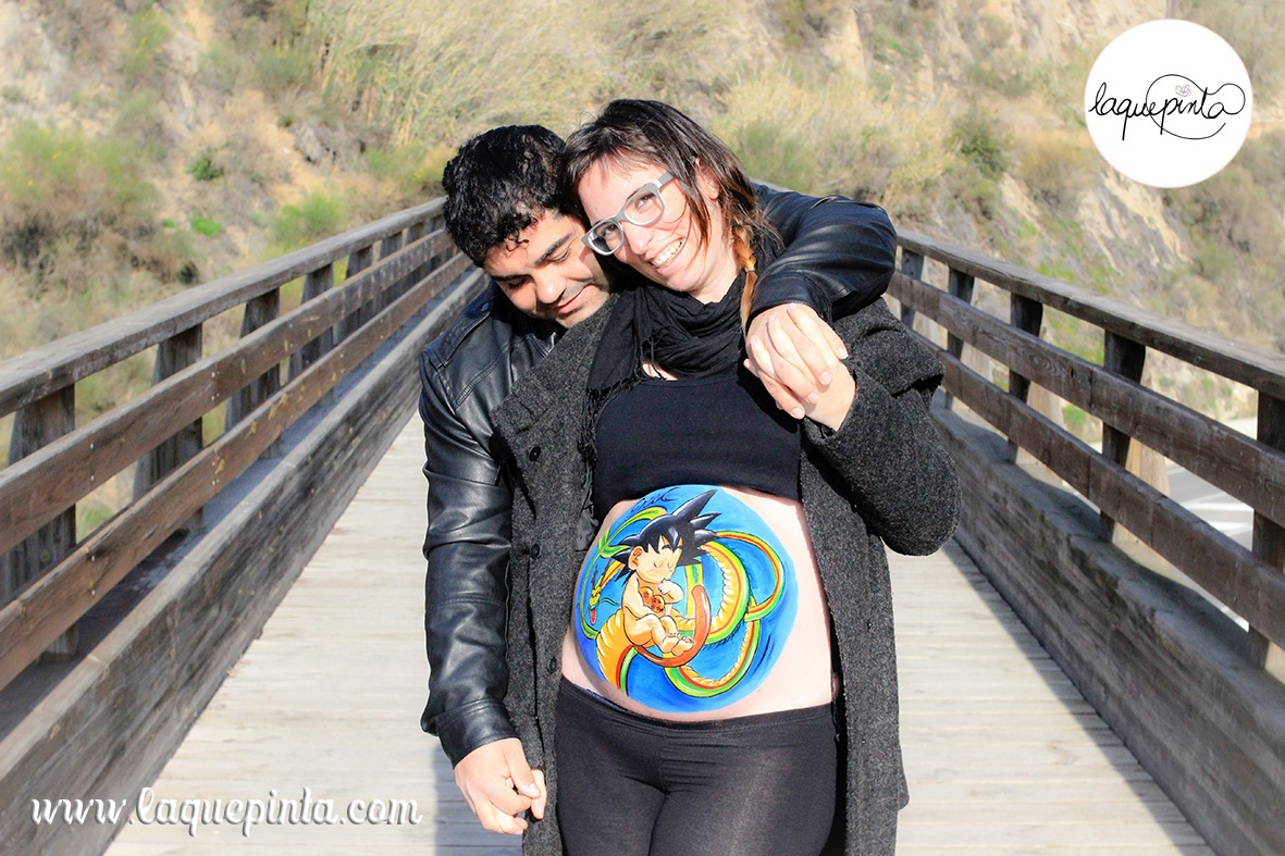 Belly painting Goku + dragón + bolas de Dragón