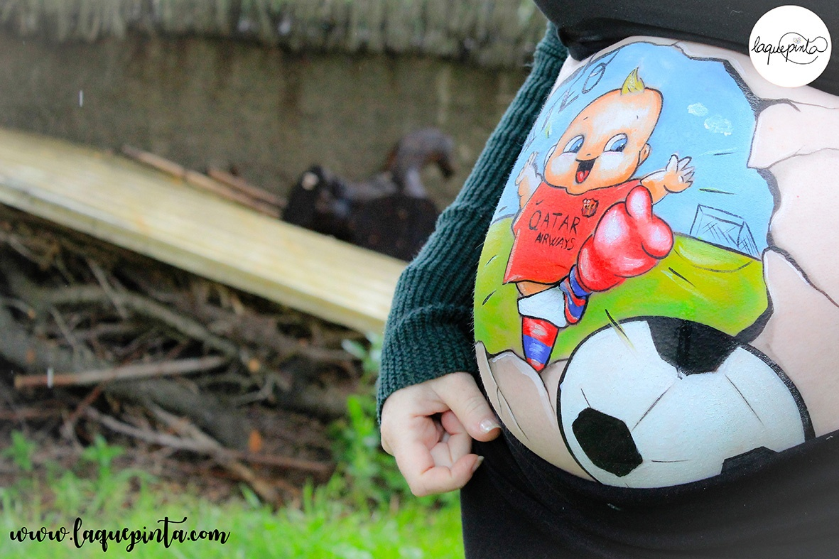 Belly painting bebé futbolista