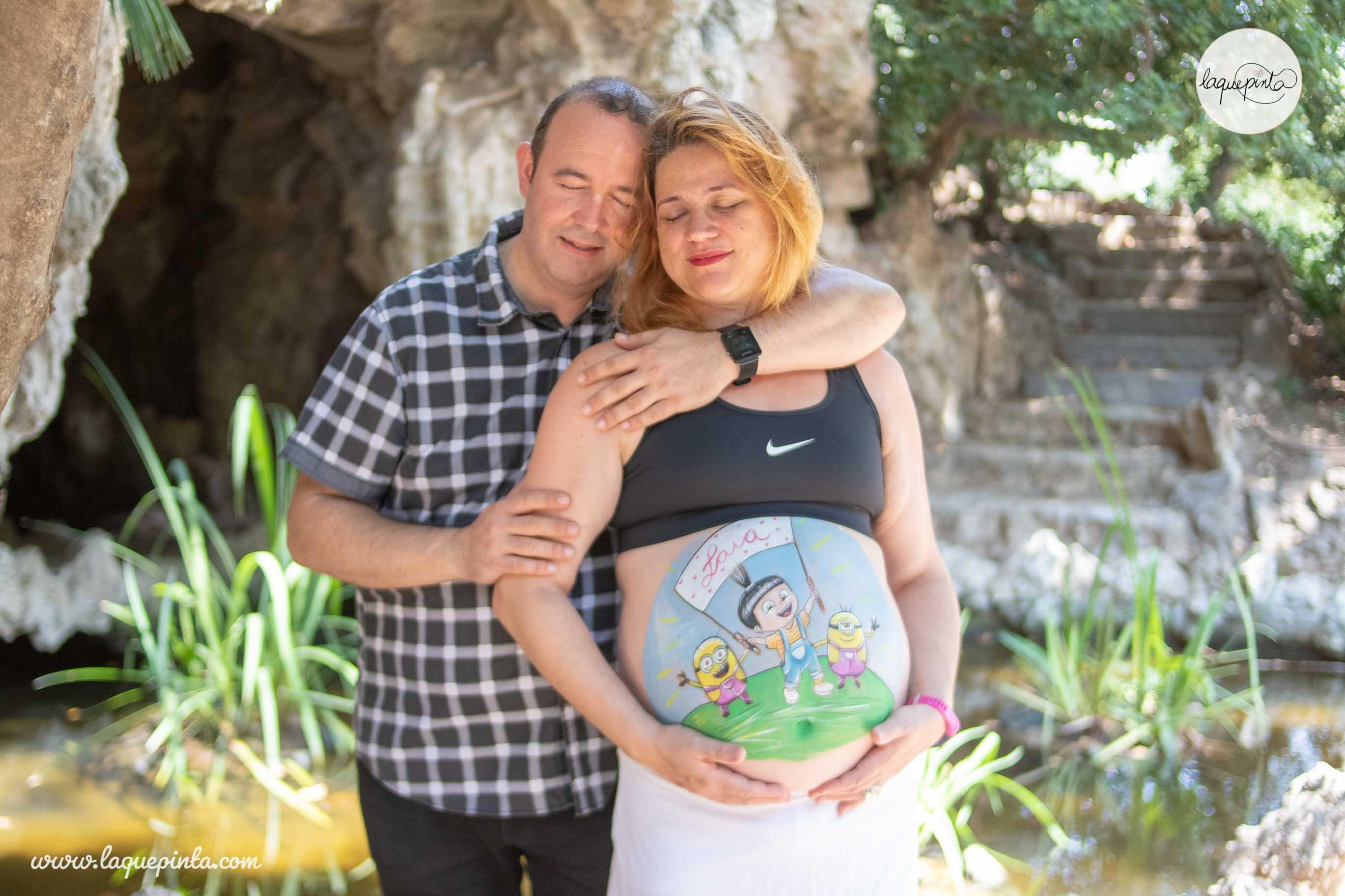Belly painting embarazada Agnes Gru