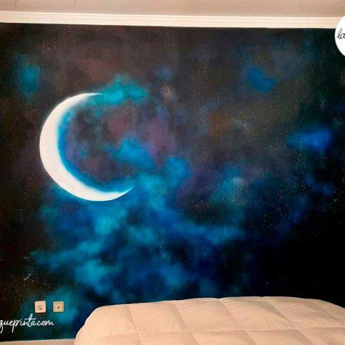 Pintura mural decorativa de pared de universo con estrellas pintado a mano por La que pinta BCN